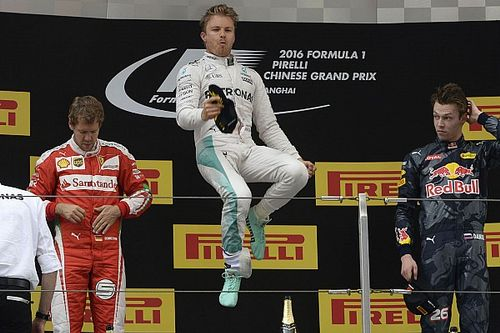SZAVAZÁS: Rosberg kétszeres világbajnok lehetett volna Hamilton mellett?