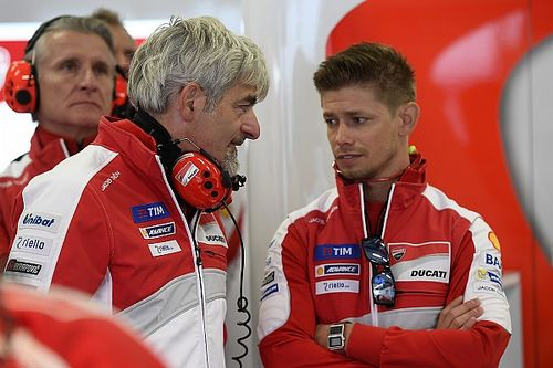 "Pour Stoner, Ducati ""ne peut pas se permettre de perdre"" Dovizioso"