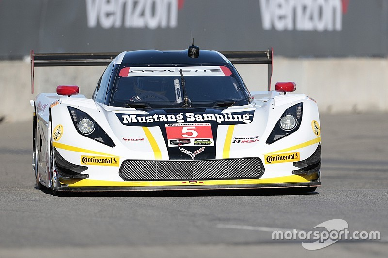 Fittipaldi edges Goossens for Detroit pole