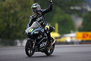 Moto3 Prove libere Le Mans, Libere 3: sull'umido brilla Bulega davanti a Dalla Porta