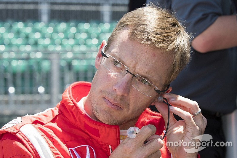 Bourdais to undergo surgery on multiple fractures