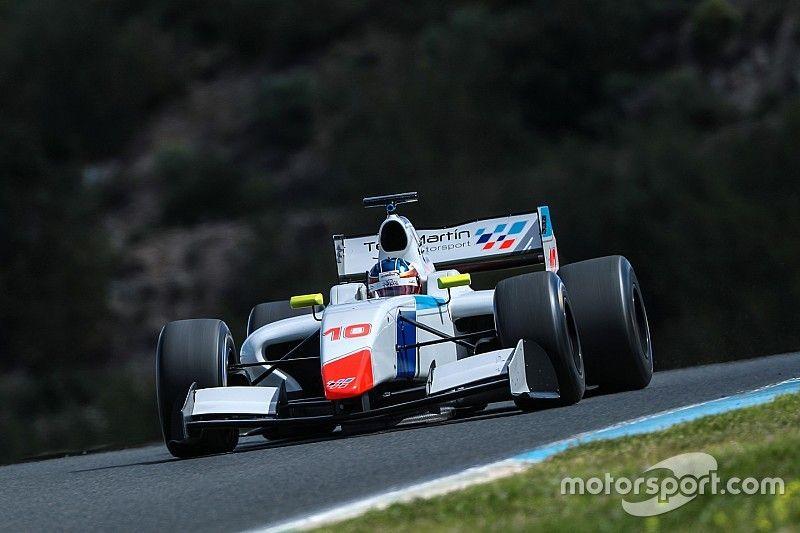 Mason completes 12-car grid for F3.5 season opener