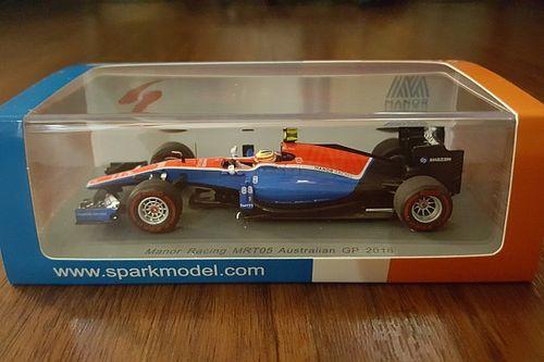 Review: Miniatur 1:43 Manor Racing MRT05 Rio Haryanto dari Spark Model