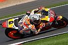Márquez quebra recorde e é pole em Silverstone; Rossi é 2º