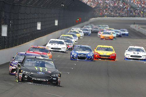 Видео от первого лица: завал в гонке NASCAR