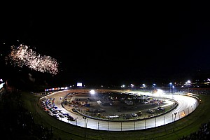 Stewart: Fans should pressure NASCAR for Cup race on dirt