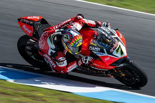 """Ducati, Davies: """"Ci manca qualcosa sul dritto. In Gara 2 cambierò strategia"""""""