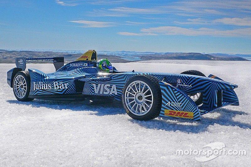 Di Grassi drives Formula E car on Arctic ice cap
