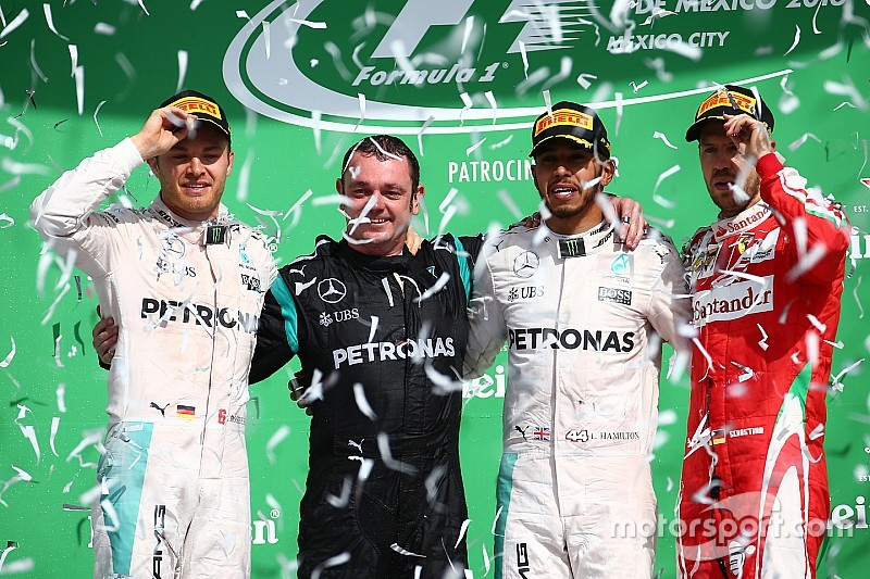 GP Meksiko: Hamilton juara, Verstappen picu akhir balapan yang kontroversial