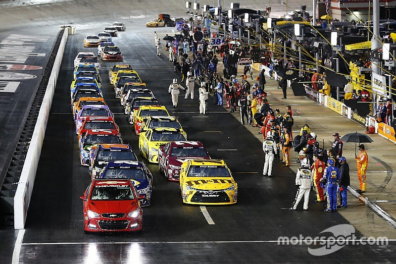 NASCAR Sprint Cup race at Bristol halted due to rain, postponed