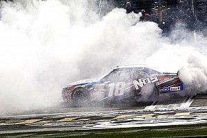 Kyle Busch scores record-extending 80th Xfinity win