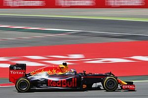 """Horner admits Red Bull engine choice """"limited"""" for 2017"""