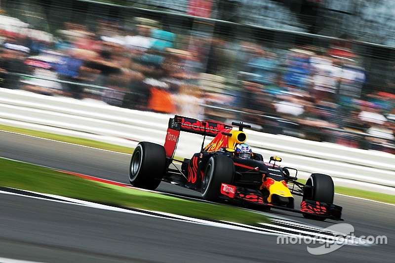 Red Bull lacking 'nowhere' in fight with Ferrari