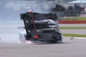 Vìdeo: Hartley bate, quase capota e abandona em Silverstone