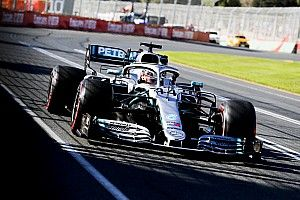 GP Australia: Hamilton pole, Mercedes kunci 1-2
