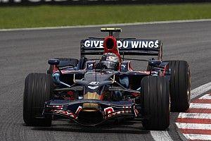 """ثنائي ريد بُل: سيارات الفورمولا واحد من عقد مضى تبدو """"مثل ألعاب الأطفال"""" الآن"""