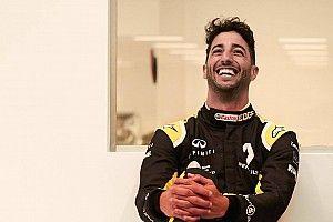 Video: Ricciardo'nun Renault'daki ilk günü