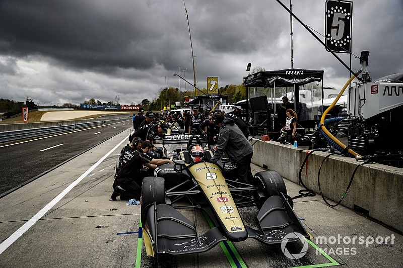 Barber IndyCar: Hinchcliffe tops another disrupted session