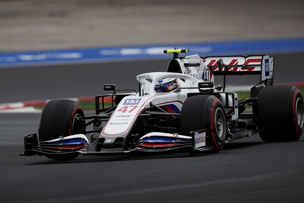 """Schumacher blinkt uit met P14: """"Dacht zelfs even aan Q3"""""""