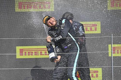 F1: Pai de Verstappen diz que Hamilton deveria ser desclassificado