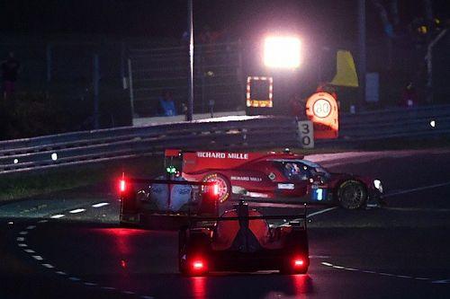 Chaotische avond op Le Mans: Visser uit de race na crash