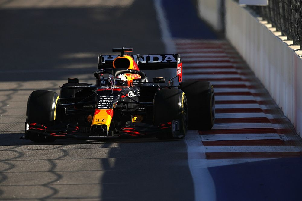 Verstappen hopes set-up changes aid fightback in Russian GP