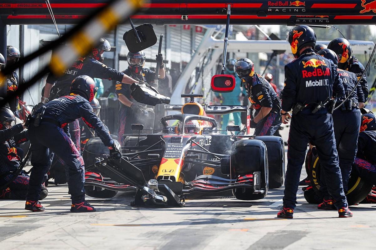 F1: Horner atribui parada lenta de Verstappen em Monza às mudanças no pit stop