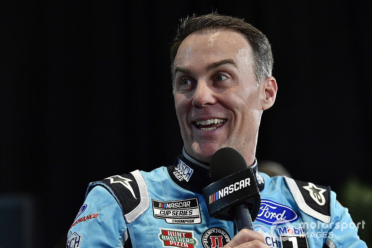 "Kevin Harvick ""going to have fun"" with his eNASCAR debut"