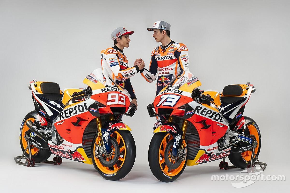 Fotogallery: i fratelli Marquez posano con la Honda RC213V 2020