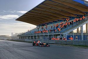 Zandvoort egy igazi old-school F1-es pálya, ahol egy kis hiba is sokba kerülhet