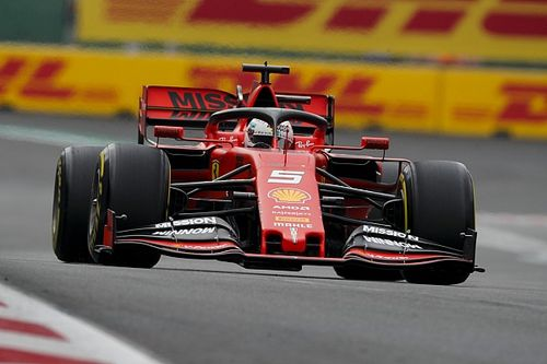 Vettel dyktuje tempo w Meksyku