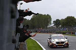 Brands Hatch BTCC: Title hopeful Cammish wins thriller