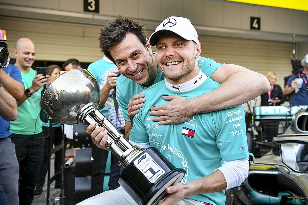 """Wolff vows to handle Bottas contracts """"better"""" in future"""