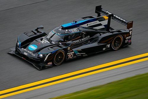 Cadillac, Mazda, Porsche y BMW pelean victoria en recta final