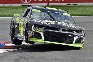 Jimmie Johnson fastest as big incidents slow second Roval practice