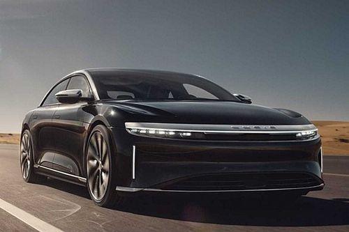 Kiszivárgott fotókon a Tesla Model 3 legnagyobb riválisának sorozatgyártott változata