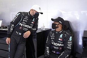 Hamilton Ingin Bottas Dapat Lebih Banyak Kredit