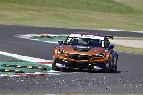 Tavano nella storia, vince Gara 1 al debutto con la nuova Cupra!