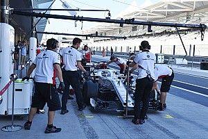 Первые фото: Райкконен за рулем Sauber спустя 17 лет. Во всем белом