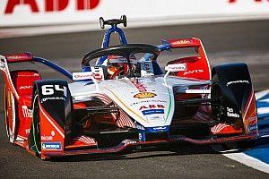 A két BMW az élen állva ütközött egymással, így D'Ambrosio nyert Marokkóban