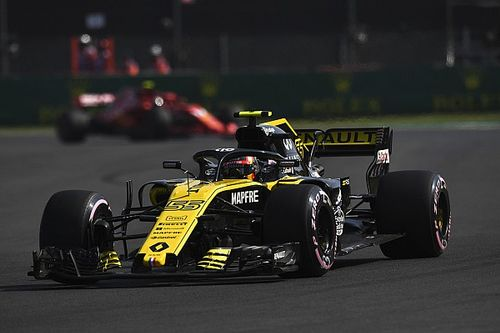 Ferrari and Mercedes woes flattering Renault's pace - Sainz