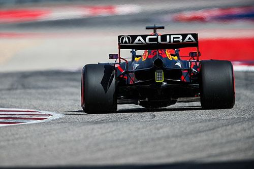 Red Bull unsure of cause of Verstappen's cracked rear wing