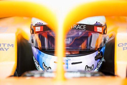 10-летнего фаната McLaren затравили на улице. Риккардо заступился