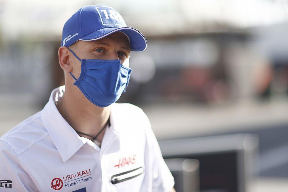 Вассер о Шумахере в Alfa Romeo: Экклстоун знает больше меня