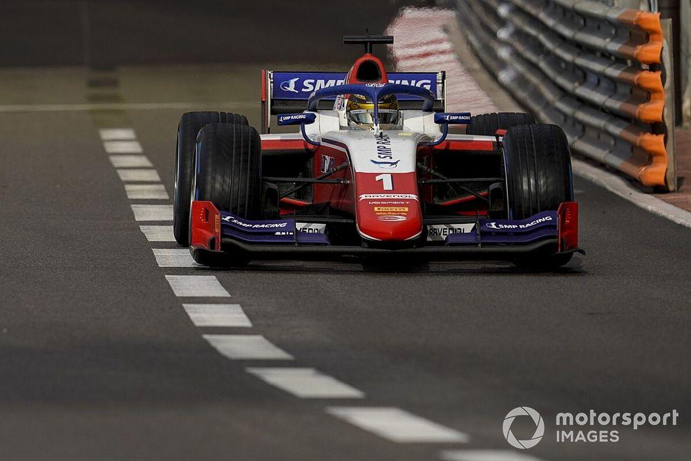 Победителя утренней гонки Формулы 2 дисквалифицировали, Шварцман набрал 2 очка