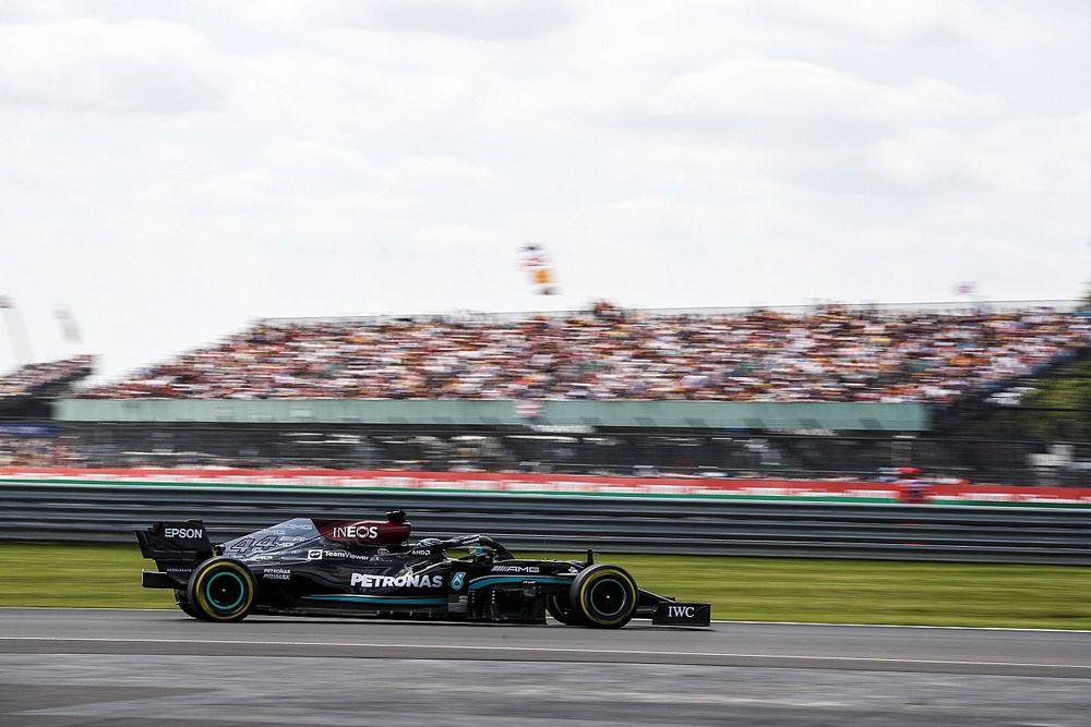 F1: Hamilton bate Verstappen na classificação e faz a 'pole' da primeira corrida sprint