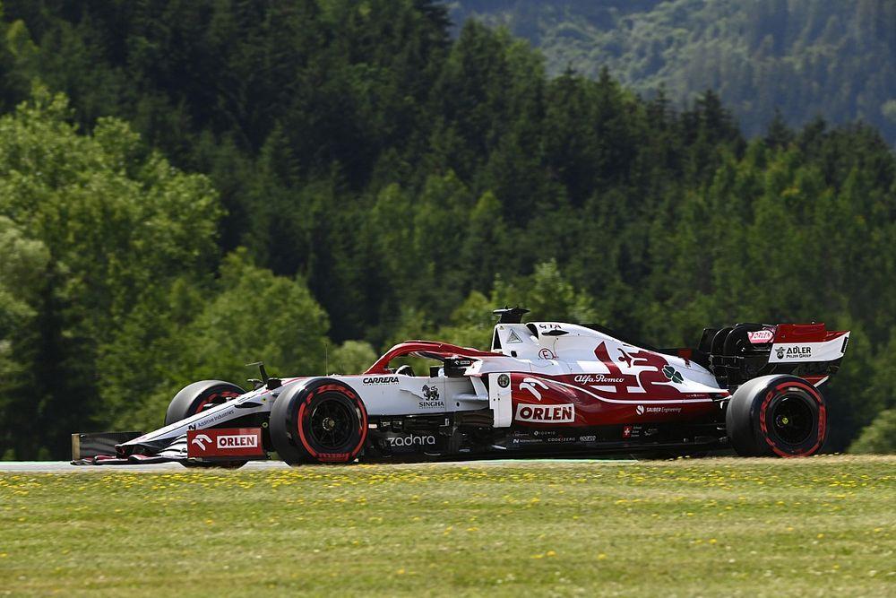 Raikkonen, Vettel'le yaşadığı temastan ötürü ceza aldı