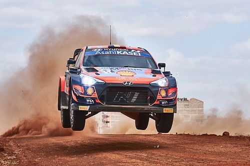 Neuville can't afford to drive saving the car in Estonia WRC
