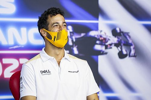Ricciardo aggódik a defektek miatt: Tavaly Silverstone-ban, most meg itt