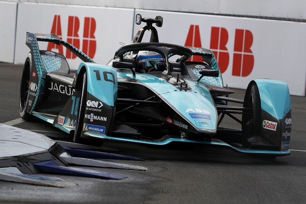 New York E-Prix: Bird bu sezonki ikinci galibiyetine ulaştı, Evans son anda sorun yaşadı
